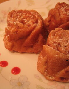 strawberry_rose_cakelets