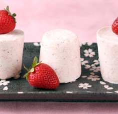 A Sweet Spring Breeze: Strawberry Semifreddo