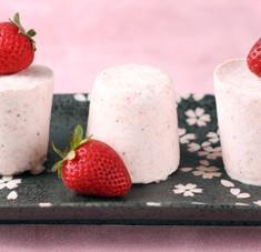 A Sweet Spring Breeze: Strawberry Semifreddo