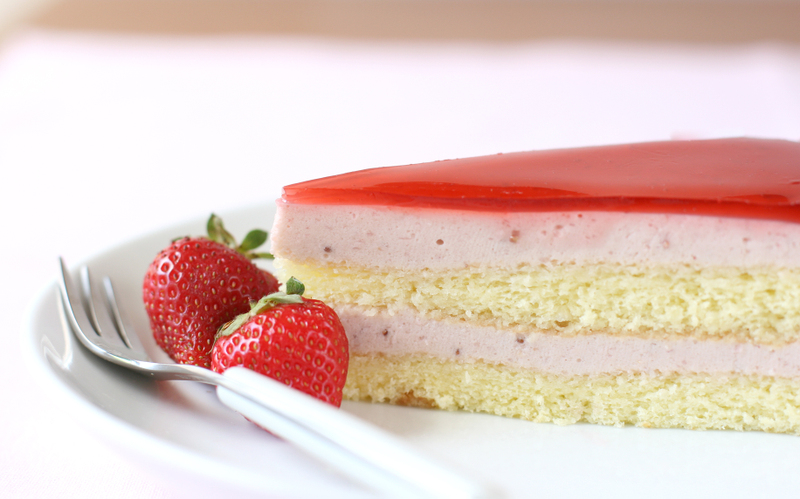 Beautiful Cake Piece Images : Daring Bakers Challenge: Strawberry Mirror Cake - Dessert ...