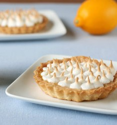 Daring Bakers Challenge: Lemon Meringue Lovelies