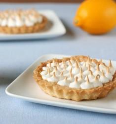 Daring Bakers Challenge: Lemon Meringue Lovelies