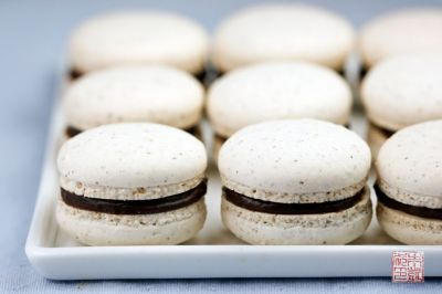 Hazelnut Macarons with Nutella