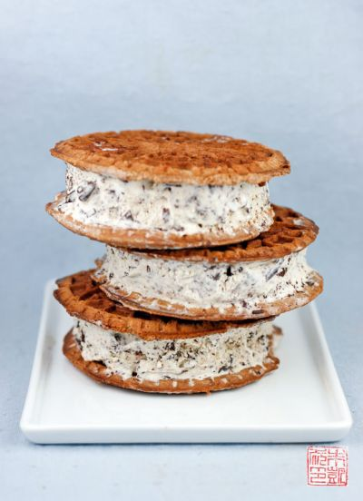 Stracciatella Ice Cream Sandwiches on dessertfirstgirl.com