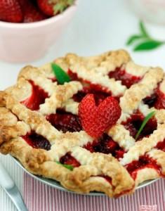 "Happy Pie Day: The ""I Heart Summer"" Pie"