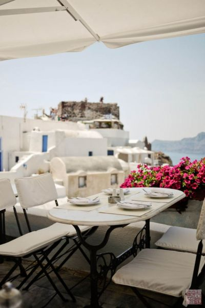 santorini oia lunch view