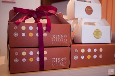 kisses cupcakes boxes