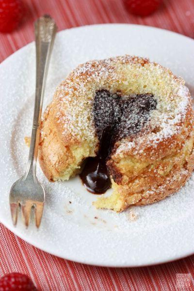 molten vanilla cake