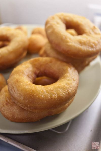 yeast donuts