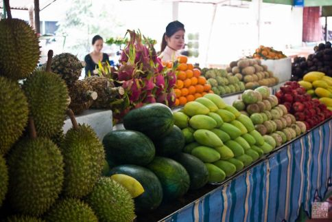 saigon fruit stand