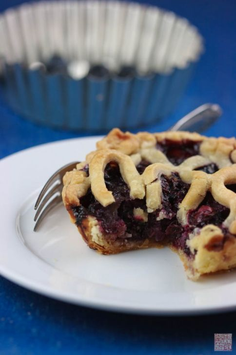 blueberry brown butter slice