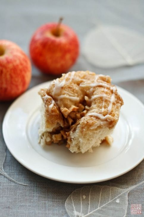 apple cinnamon brioche roll 1