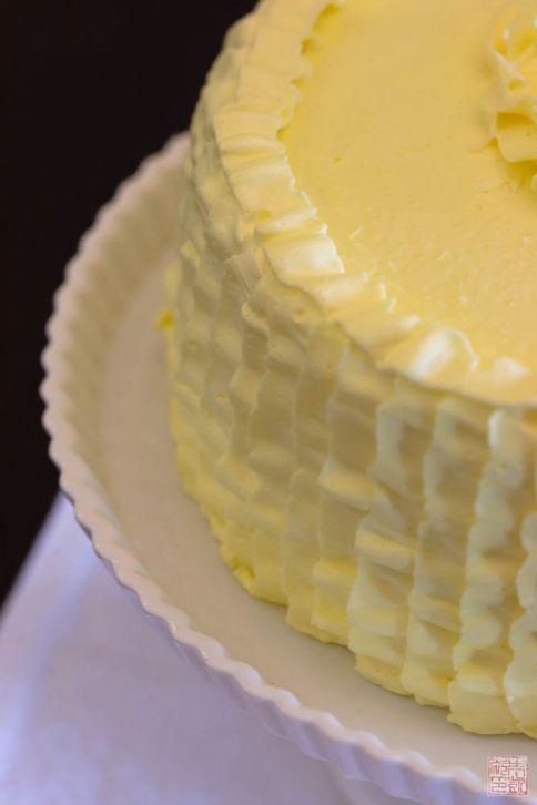 Triple Vanilla Cake with Meyer Lemon Curd on dessertfirstgirl.com