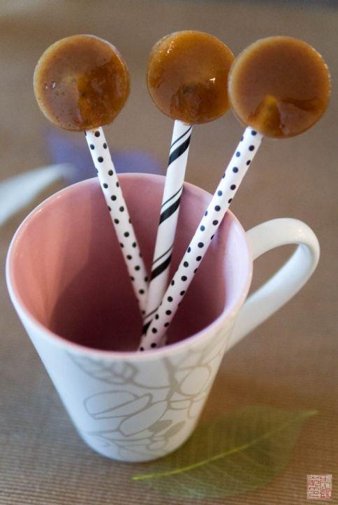 pumpkin spice caramel lollipops