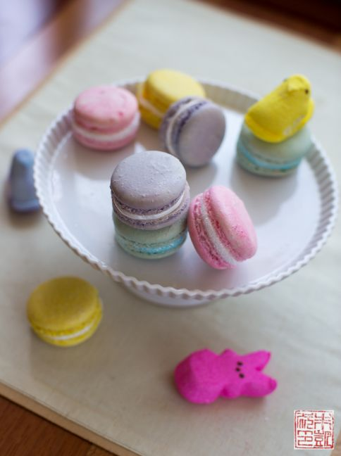 Marshmallow creme macarons with peeps