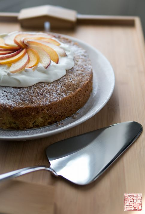 Olive Oil Cake and Caccia cake server