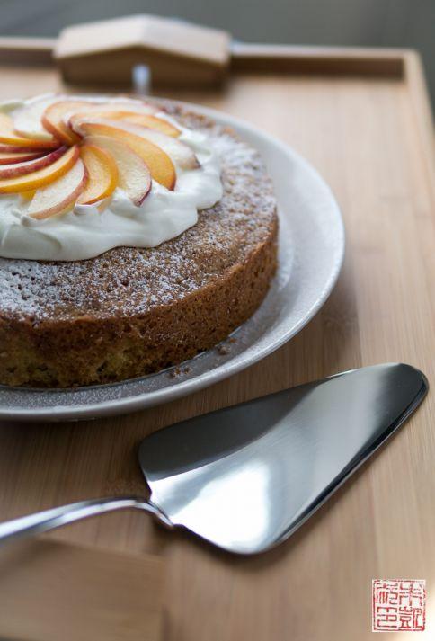 Olive Oil Cake and Caccia cake server