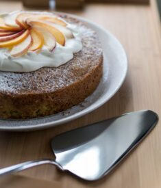 Olive-Oil-Cake-and-Caccia-cake-server1
