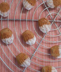 Mini-Almond-Madeleines-rack1