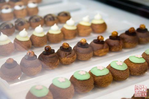 Choux bakery puffs
