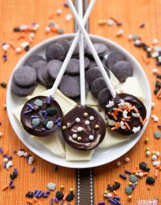 Happy October! Halloween Chocolate Lollipops