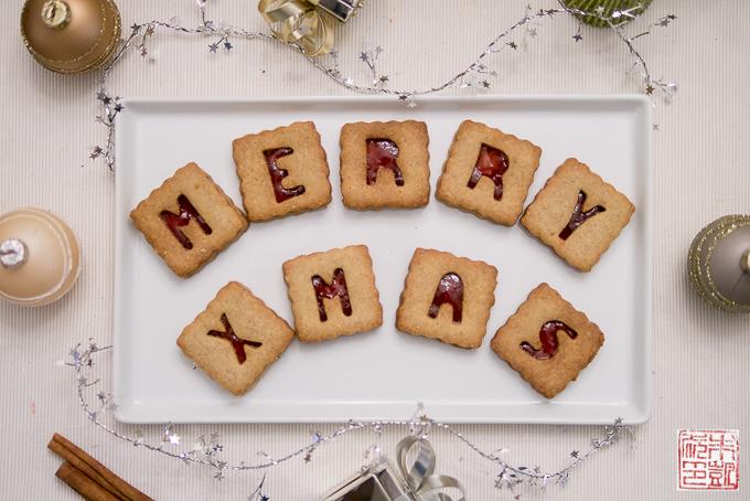 Cranberry Linzer Cookies Xmas