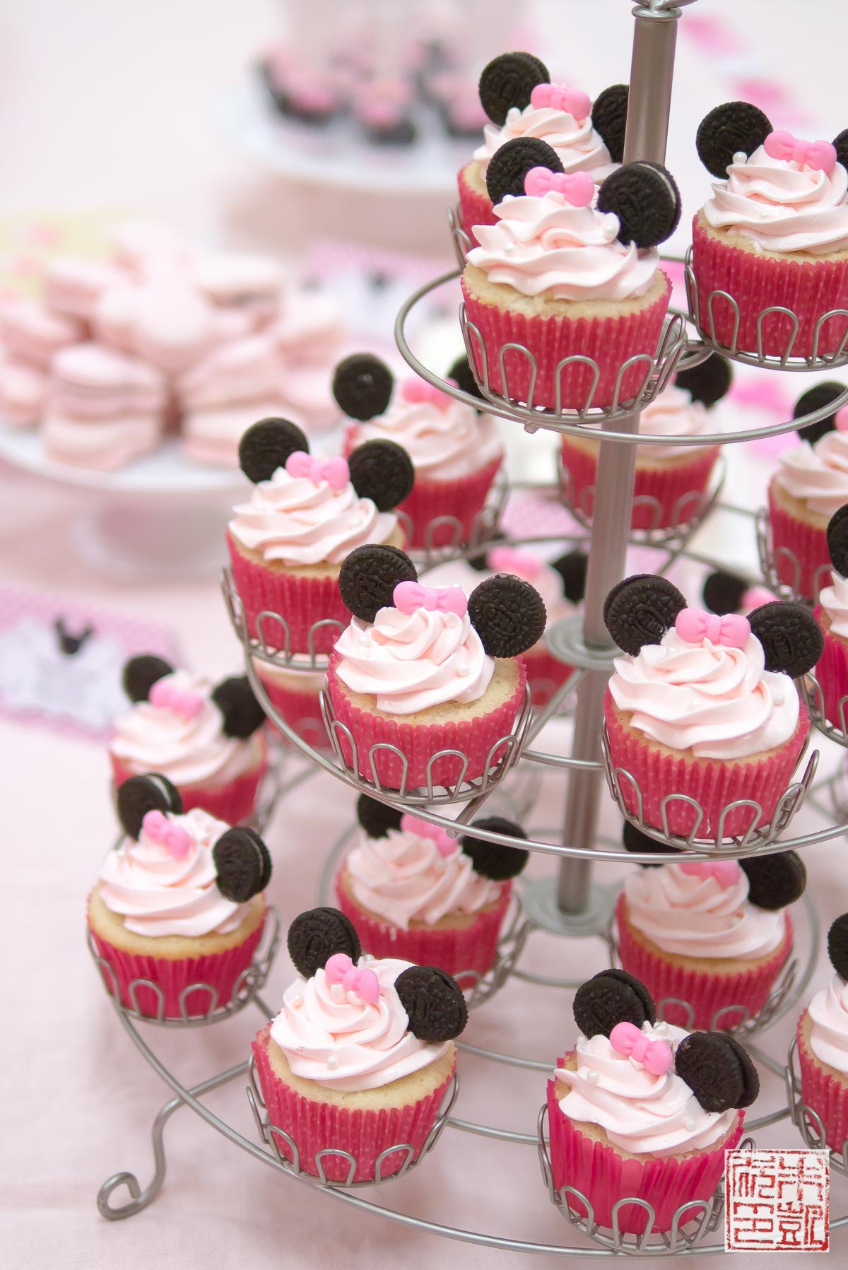 Images Of Party Cupcake : Minnie Mouse Cupcakes For A 3rd Birthday Party - Dessert First