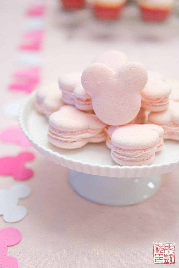 Minnie Mouse Macarons