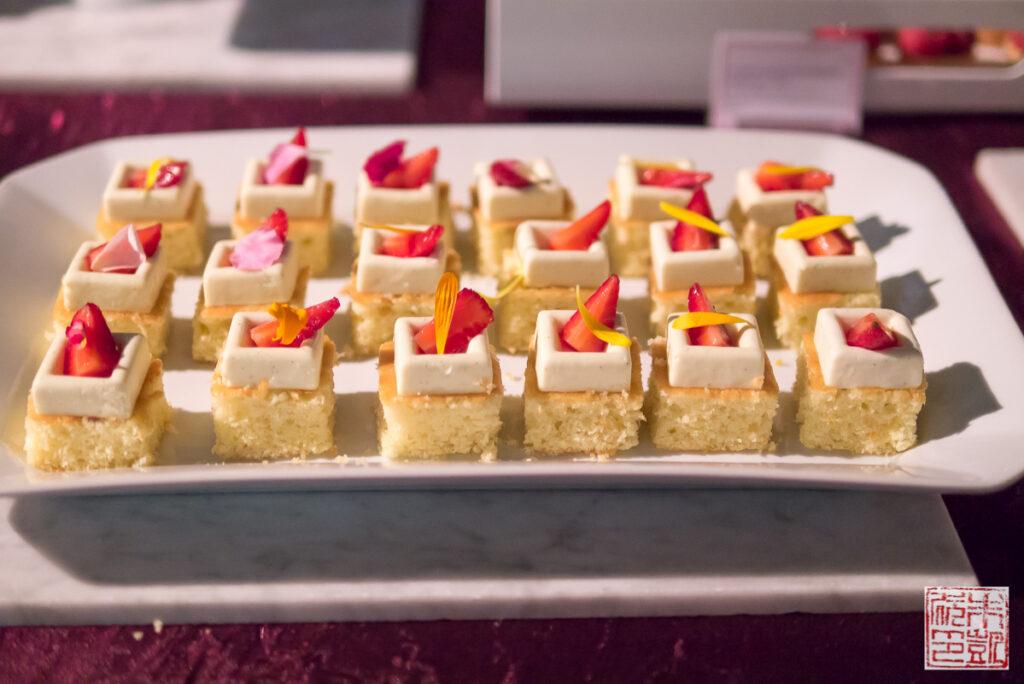 Yigit Mini Cakes