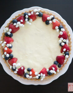 Happy Summer: Berry Tart with Cheesecake Pastry Cream