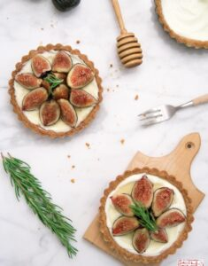 Fresh Fig Mascarpone Tart in Cornmeal Crust