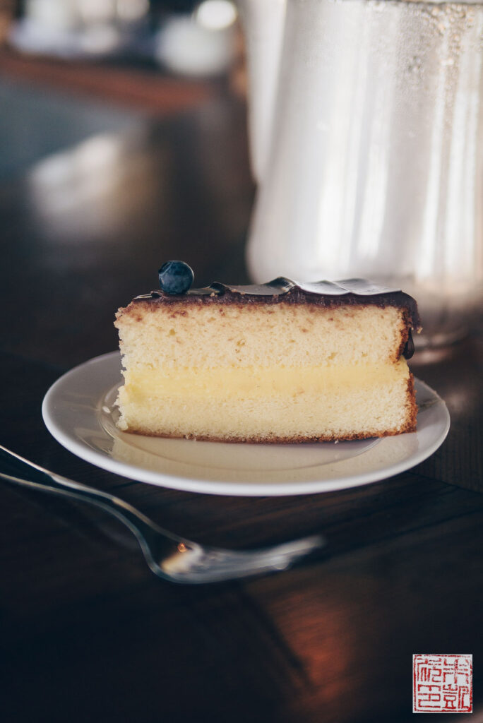 hgtv-boston-cream-cake