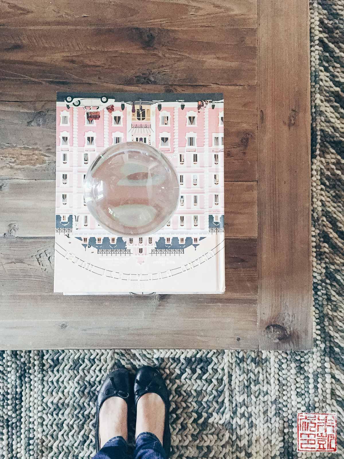 hgtv-dream-house-living-room-table