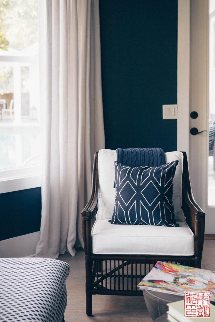 hgtv-dream-house-master-bedroom-corner