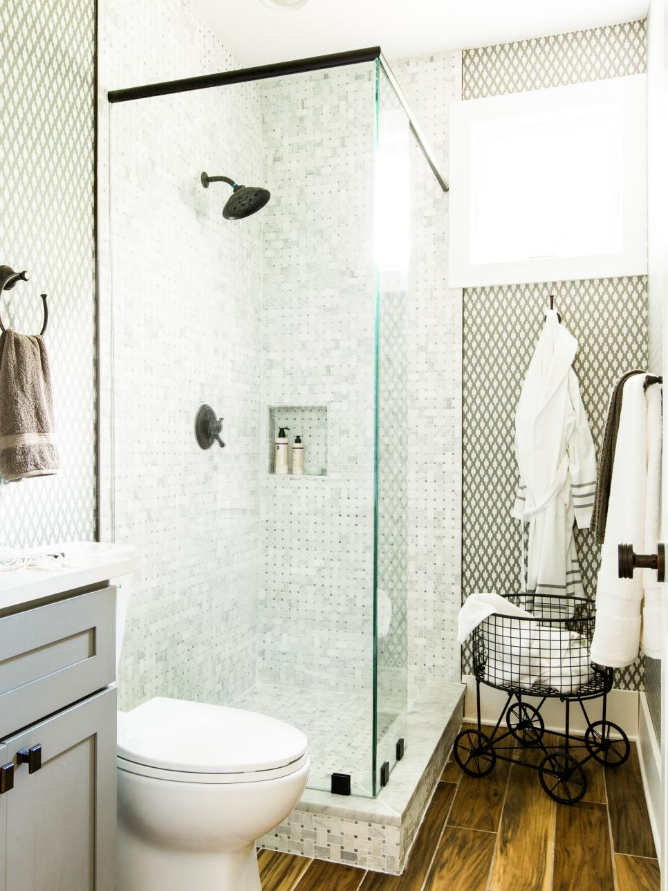 hgtv_2017_guest-bathroom-16-shower_v-jpg-rend-hgtvcom-966-1288