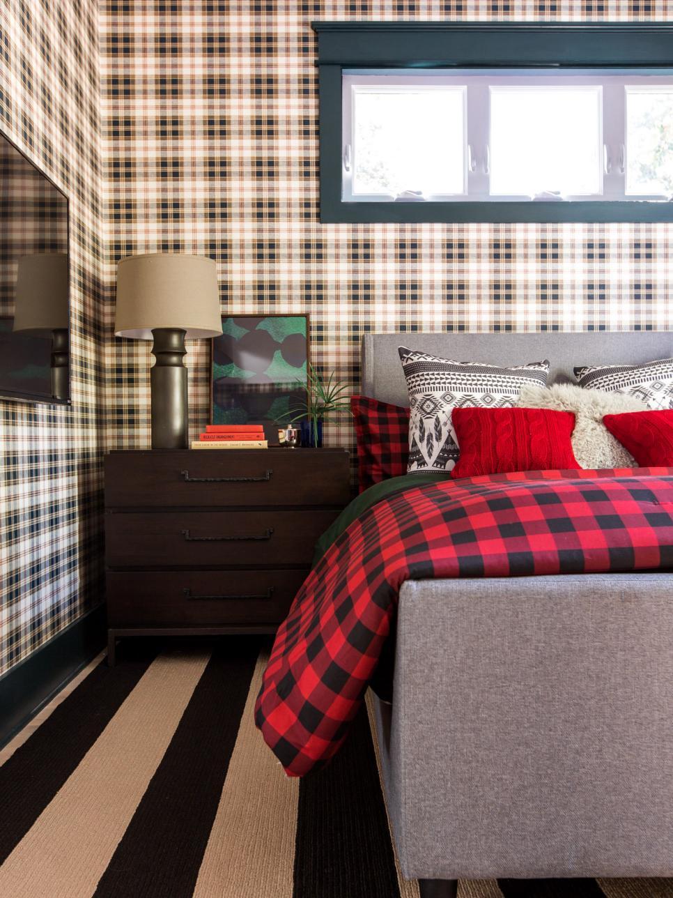hgtv_2017_guest-bedroom-06-left-side-ginette_v-jpg-rend-hgtvcom-966-1288