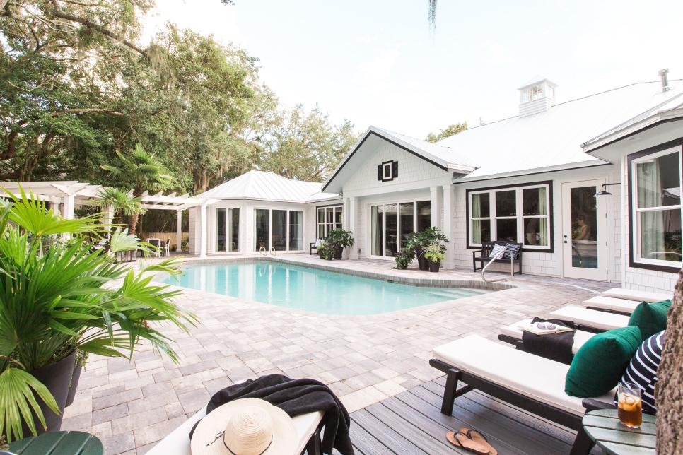 hgtv_2017_pool-09-from-lounge-chairs_h-jpg-rend-hgtvcom-966-644