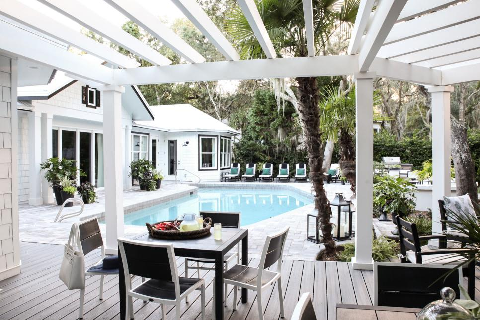 hgtv_2017_pool-13-from-pergola_h-jpg-rend-hgtvcom-966-644