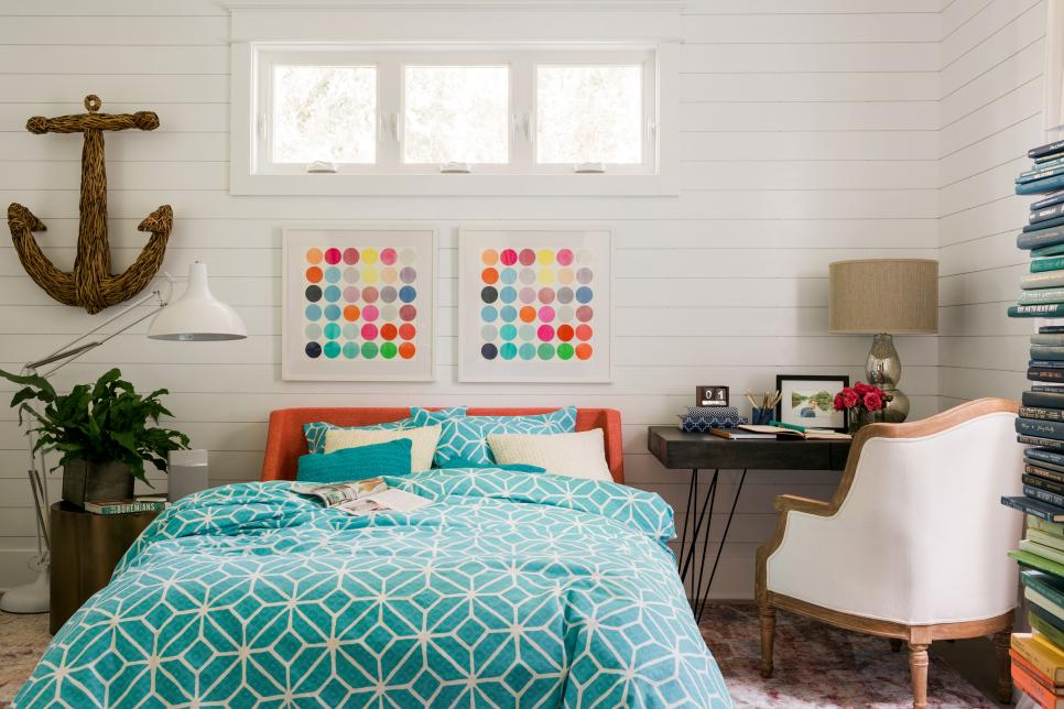 hgtv_2017_terrace-bedroom-01-wide_h-jpg-rend-hgtvcom-966-644