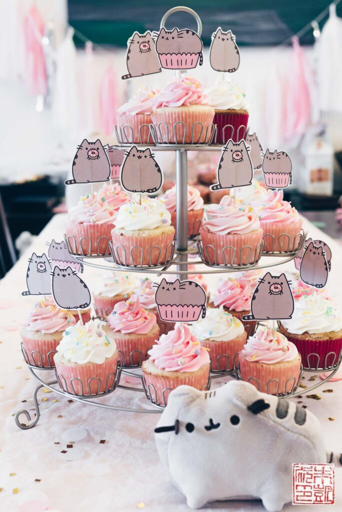 pusheen-birthday-cupcakes
