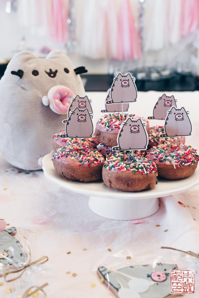 pusheen-sprinkle-donuts