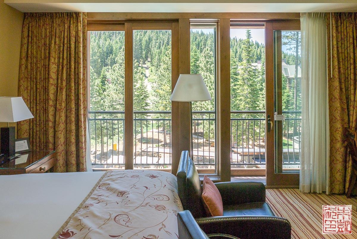 ritz-carlton-lake-tahoe-bedroom-view