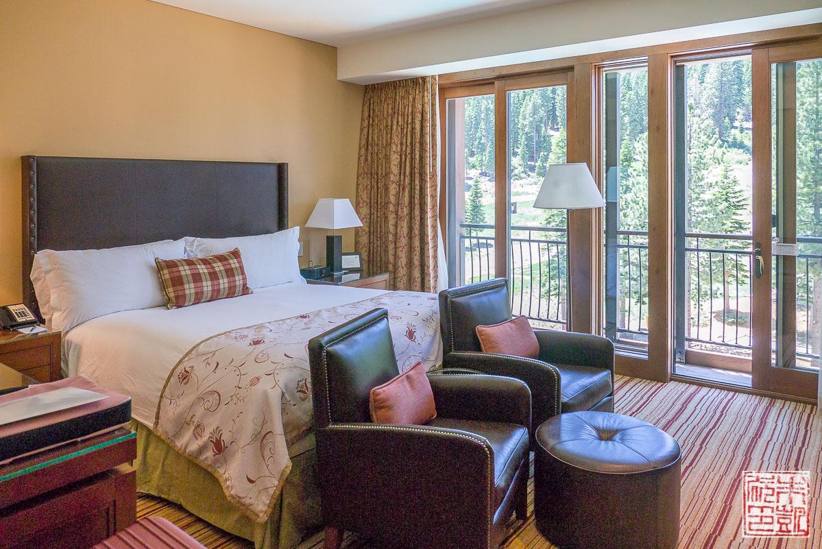 ritz-carlton-lake-tahoe-bedroom
