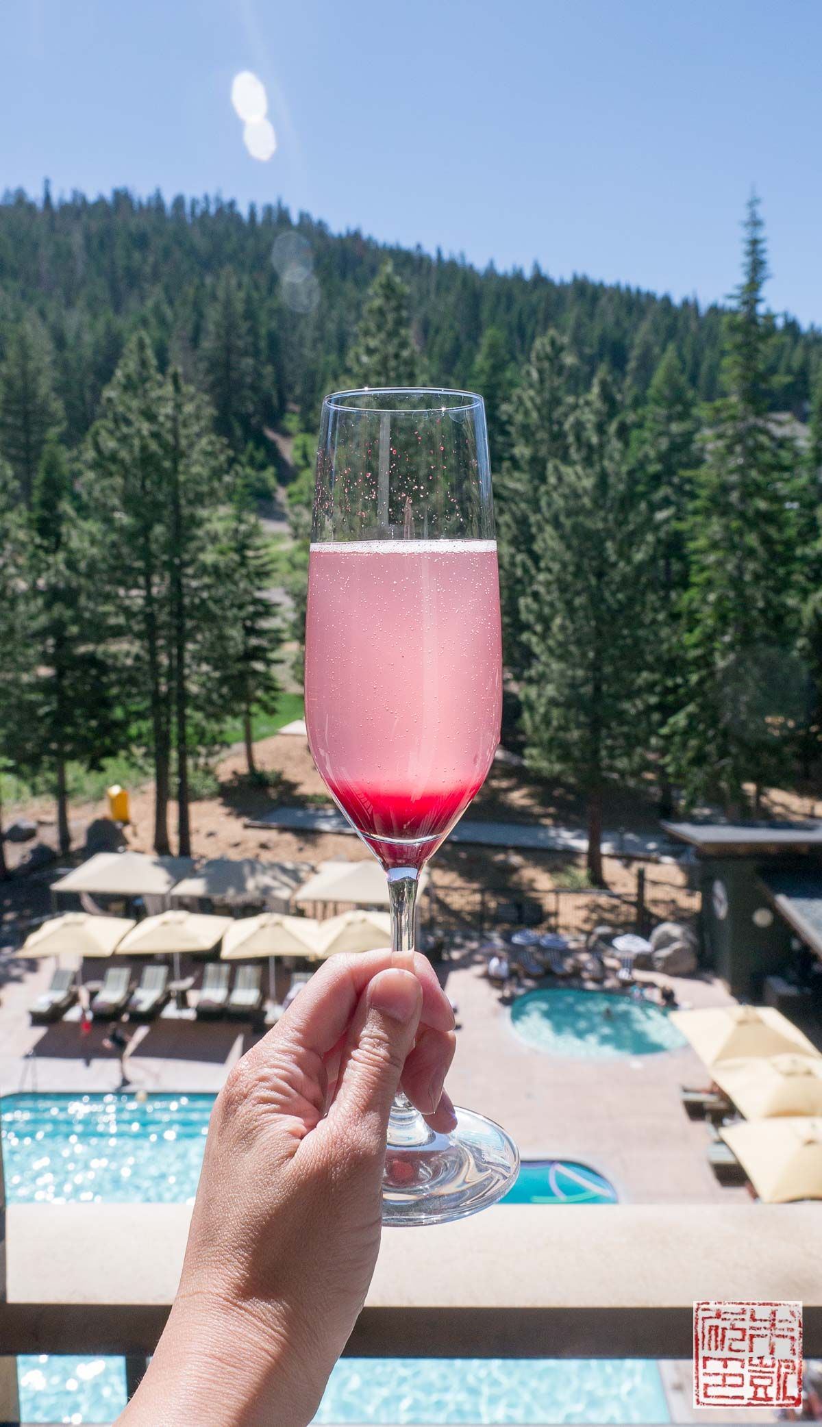 ritz-carlton-lake-tahoe-blueberry-champagne