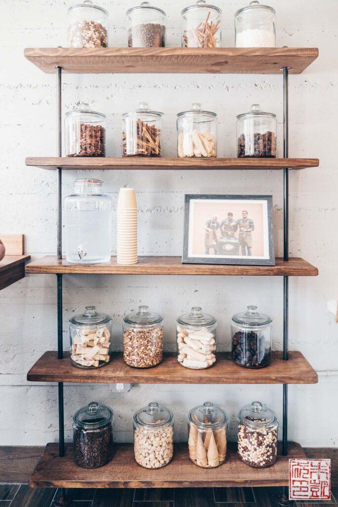coletta-shelf