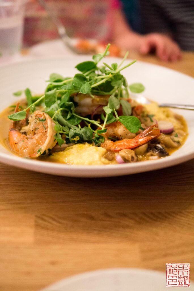 mahina-and-suns-shrimp-grits