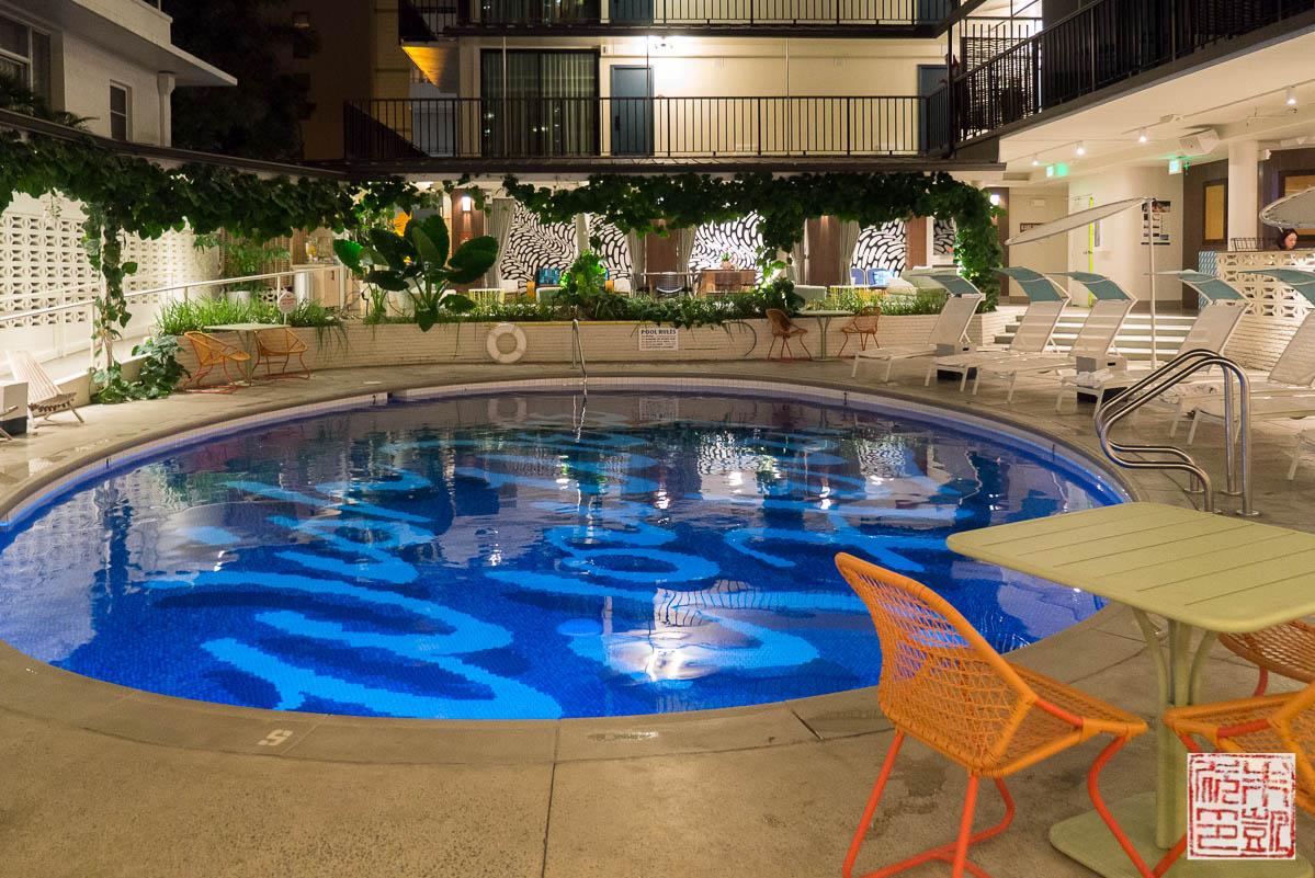 surfjack-pool-at-night