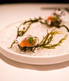 farallon-amethyst-oysters-with-caviar