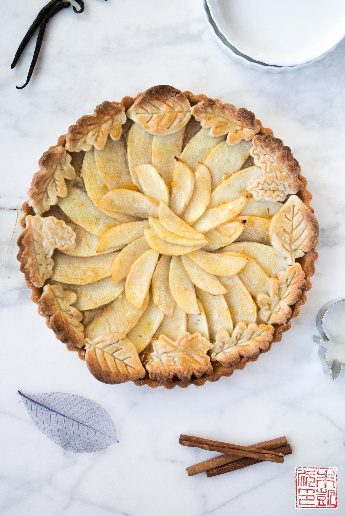 rose shaped apple baked dessert