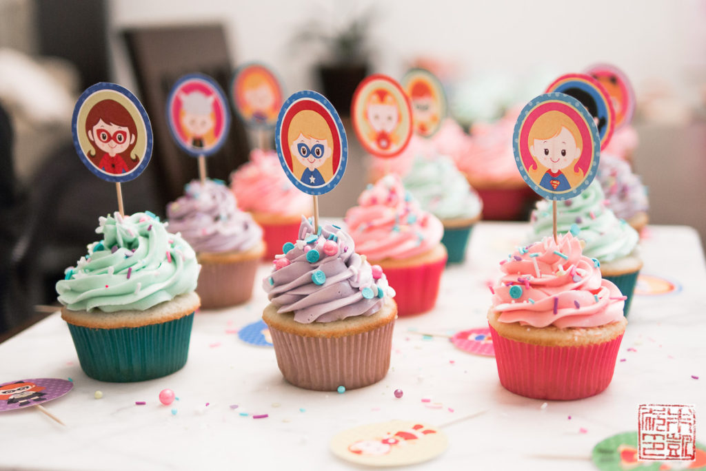 Superhero Girl Cupcakes display